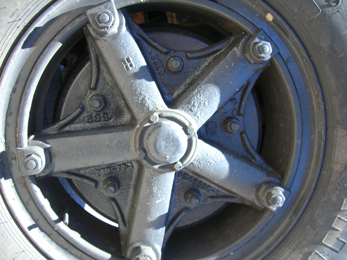split rim front wheel face