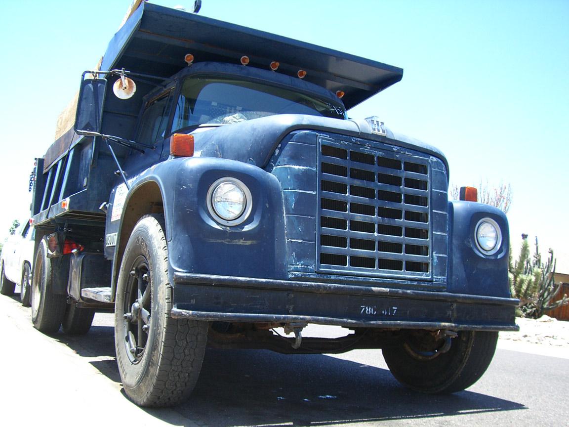 3/4 full front of dump truck