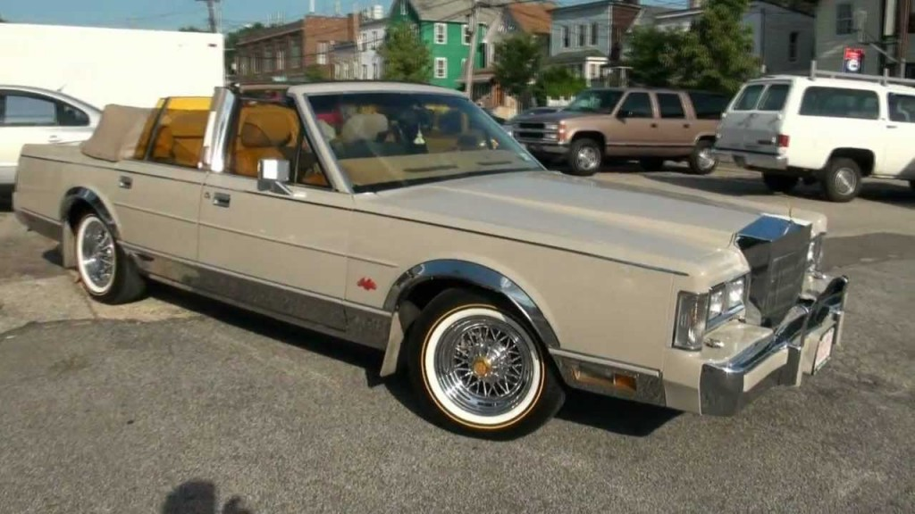 1988-Lincoln-Town-Car-Convertible