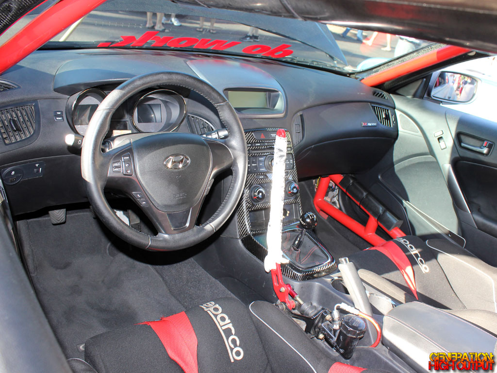 photo genesis coupe interior images hyundai genesis coupe interior mods psoriasisgurucom. Black Bedroom Furniture Sets. Home Design Ideas