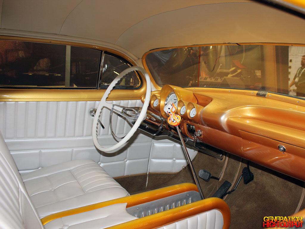 1952-chevy-desert-sunset-interior