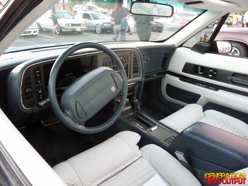 1990-buick-reatta-interior