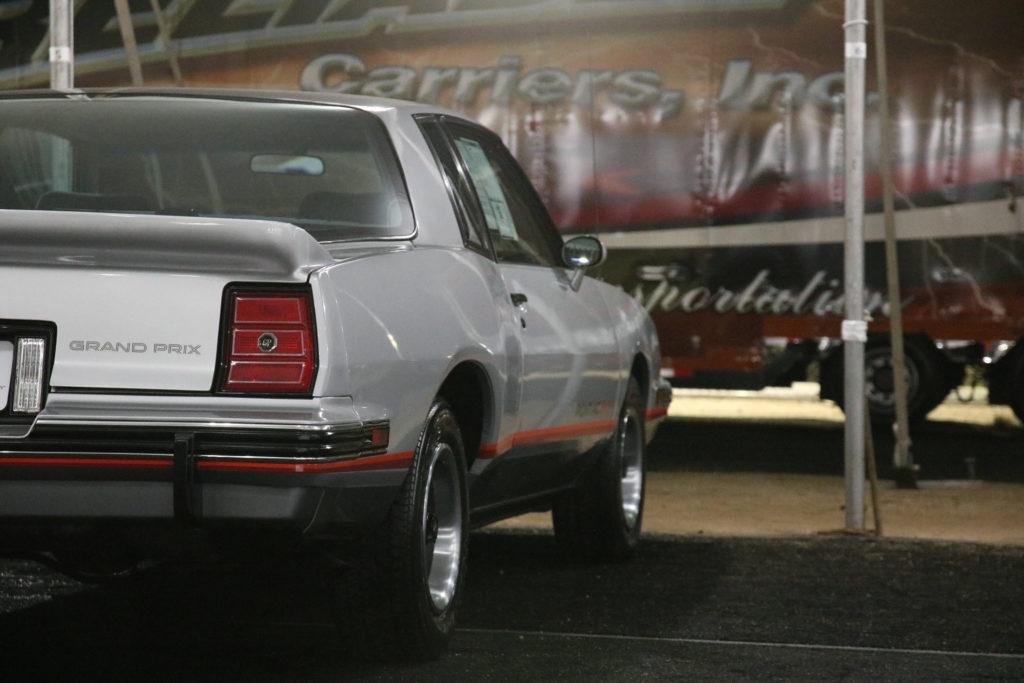 1986-Pontiac-Grand-Prix-2-plus-2 (11)
